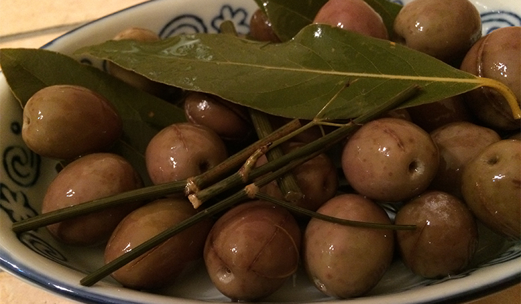 Risultati immagini per Olive confettate